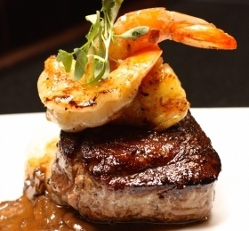 Chamberlains_steak_and_shrimp-280x259