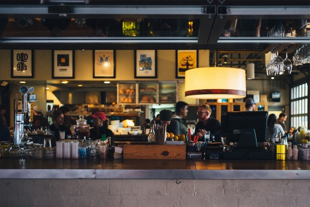 5 Awesome Sports Bar Marketing Ideas To Increase Sales