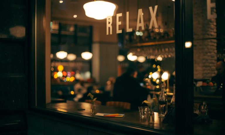 Holiday restaurant online search